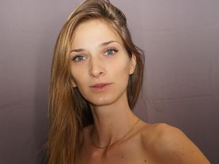 ClaaryCherry Show - immer feucht  - privat,chat,